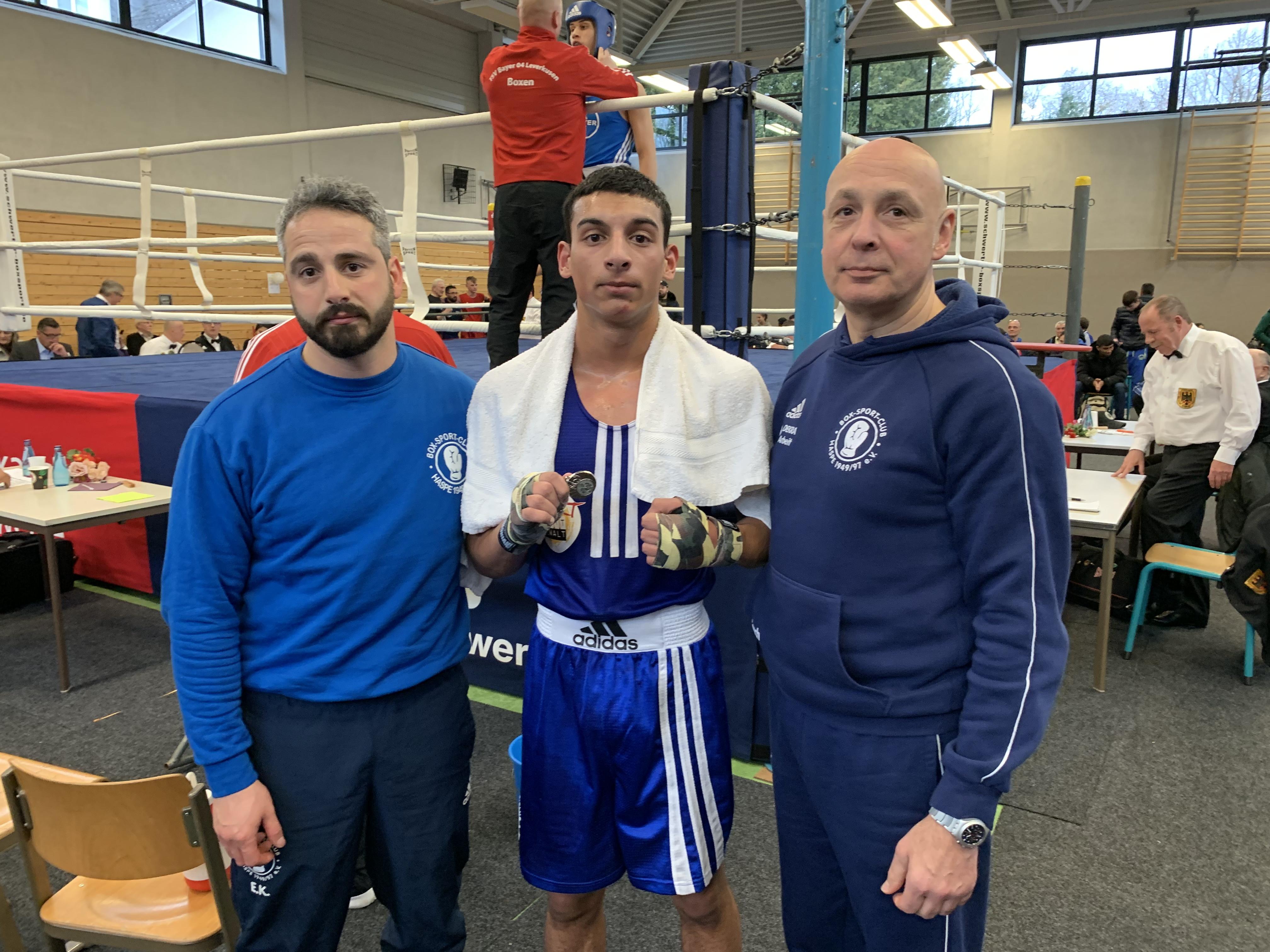 Landesmeisterschaft NRW 2019 Esat Kösemihaloglu, Vize Landesmeister NRW Aleks Georgiev und Coach Raul Fernández