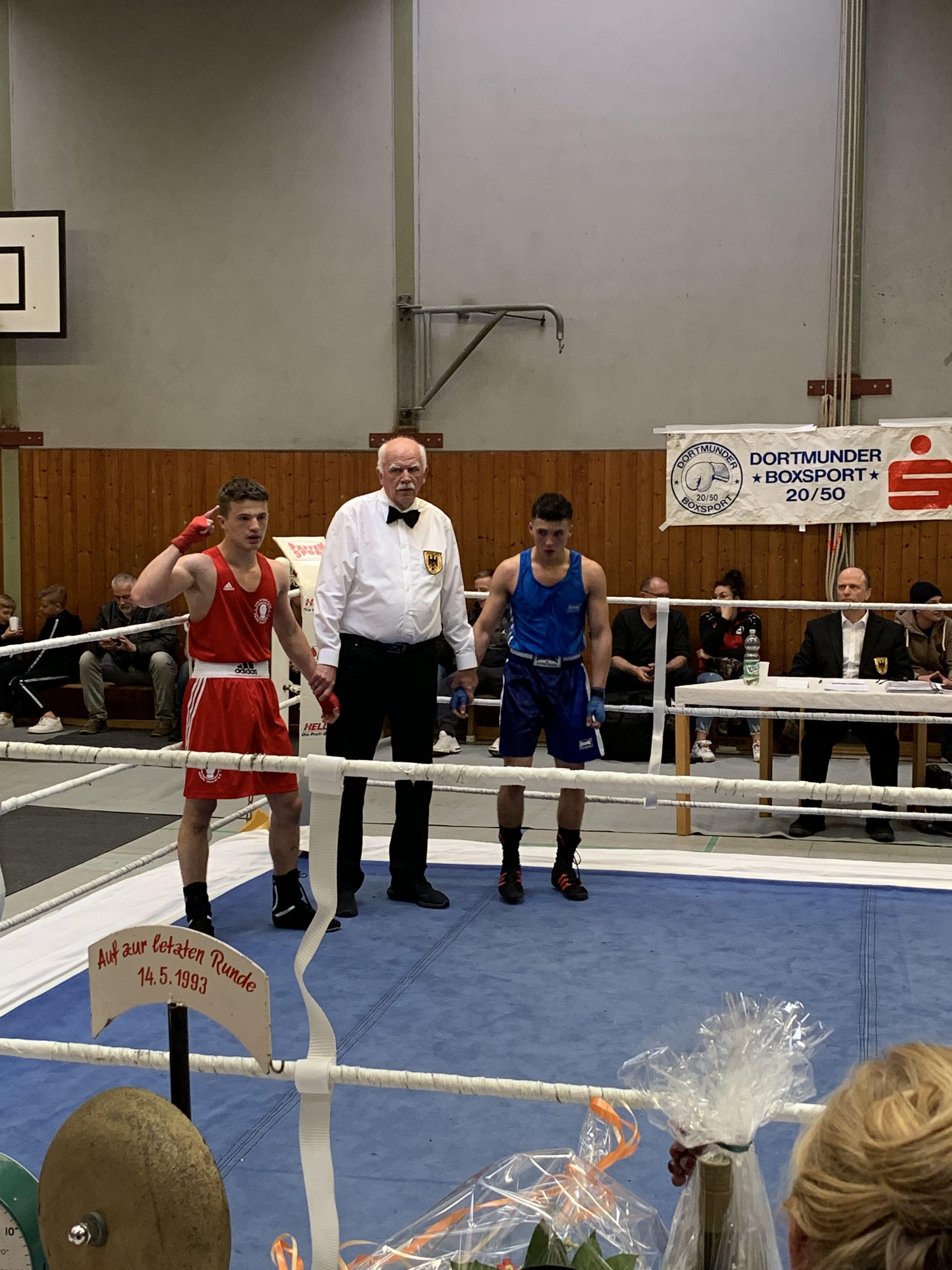 Altin Murati wird zum Sieger erklärt